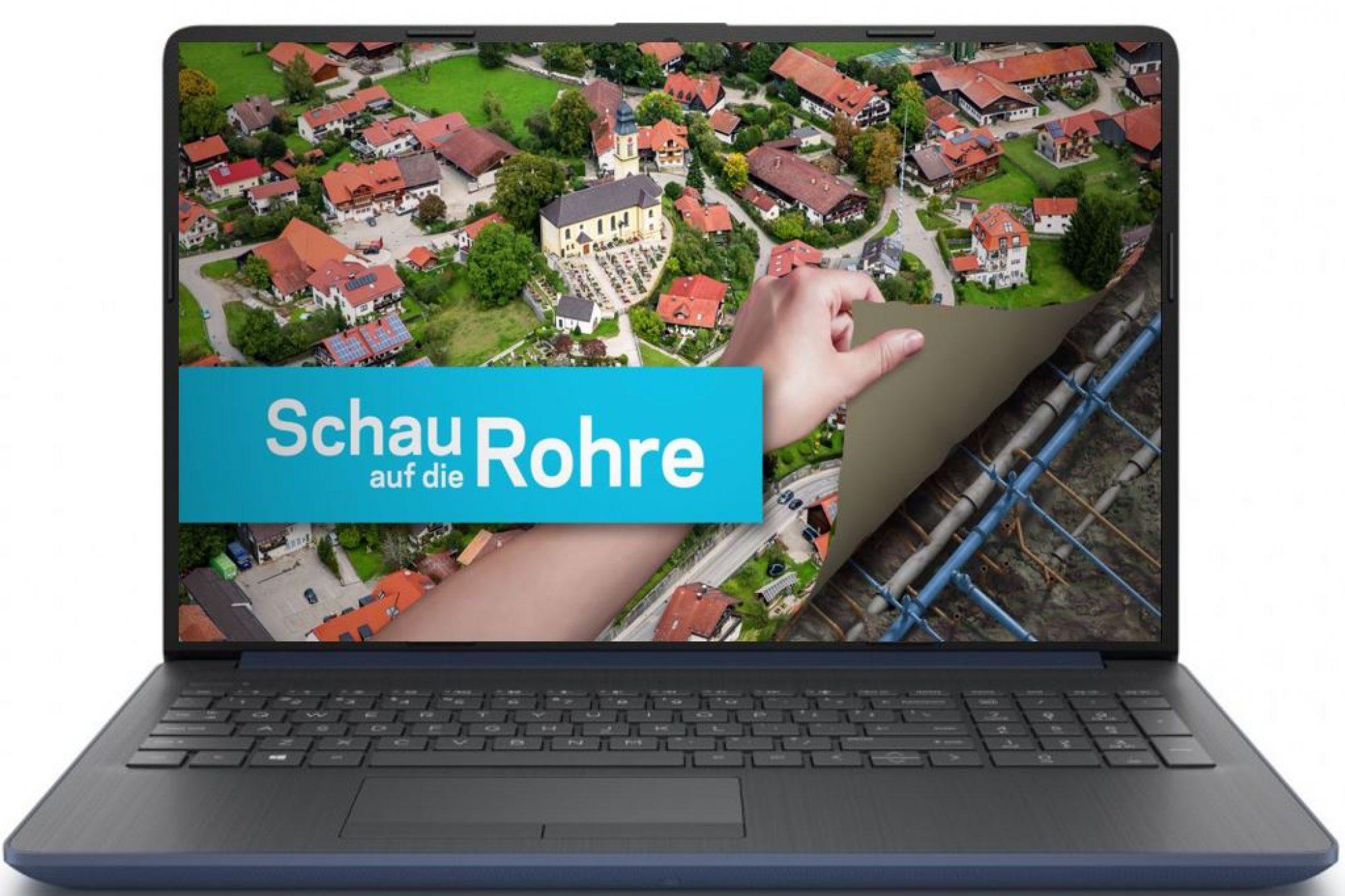 """Laptop mit Anzeige des """"Schau auf die Rohre""""-Hauptvideos"""