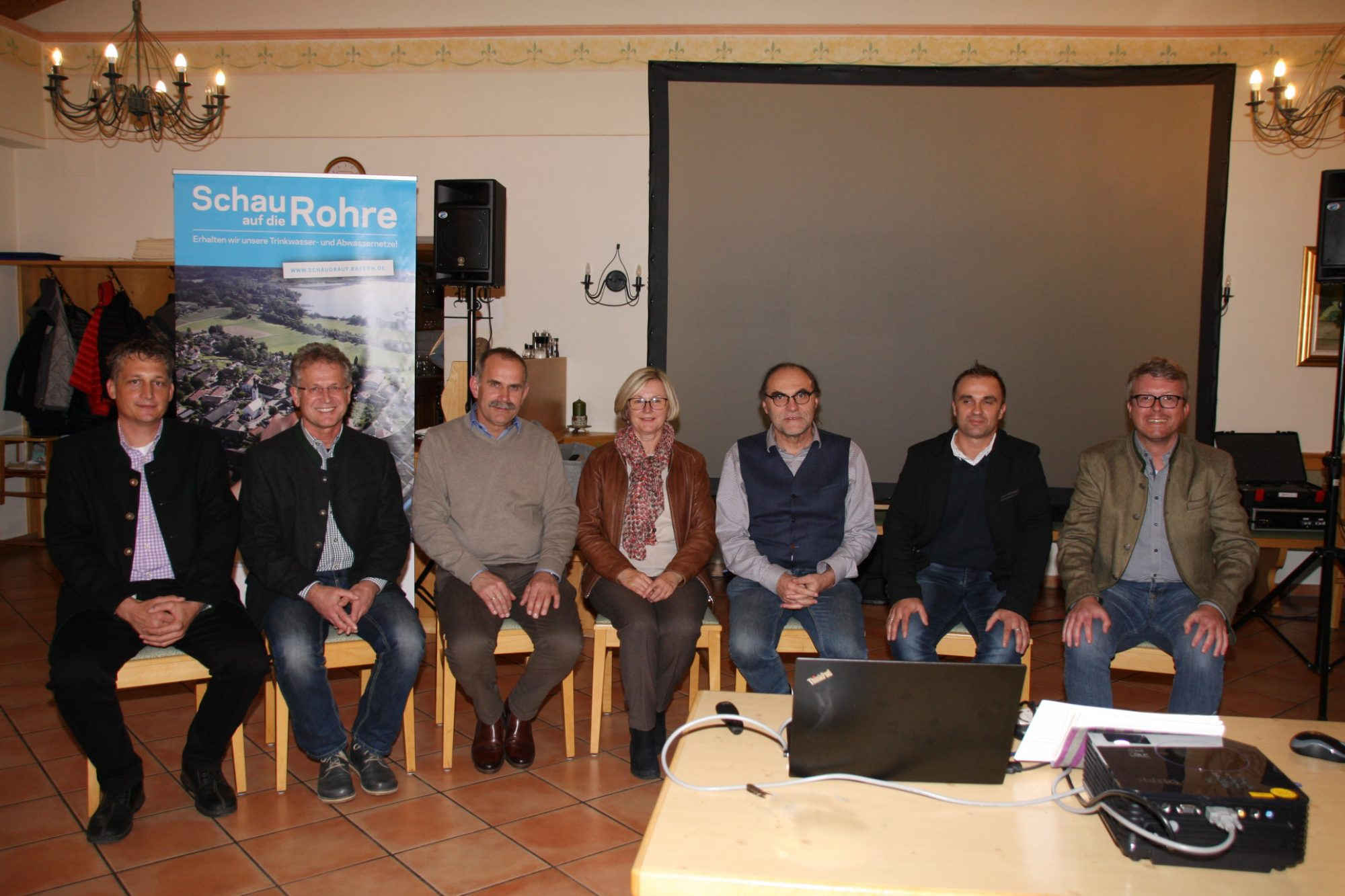 Wasserversorger, Abwasserentsorger und Bürgermeister/innen aus der Region informieren